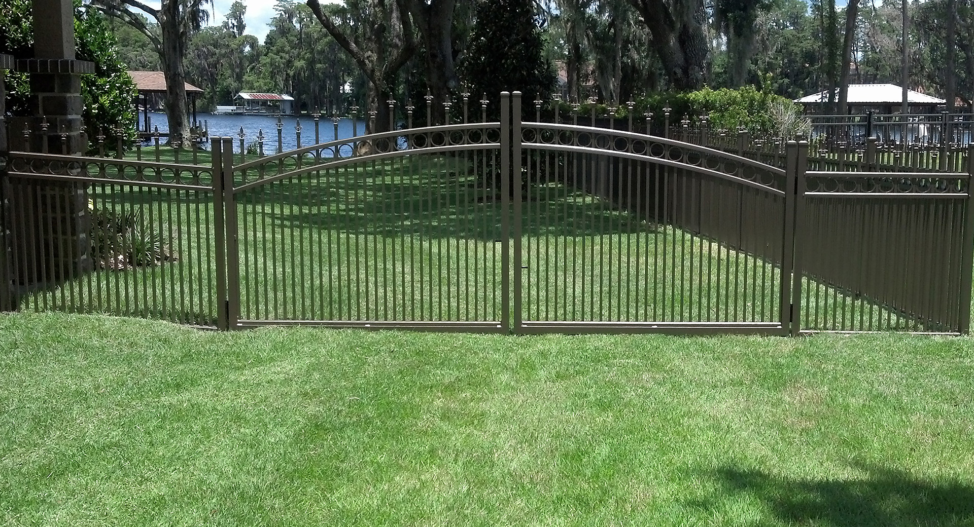 Estate Gate Double Drive Swing Gate